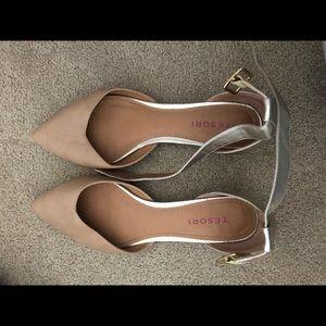*worn a few times. Tesori flat strapped shoes.